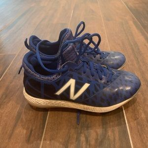 New Balance kids baseball cleats- read for size